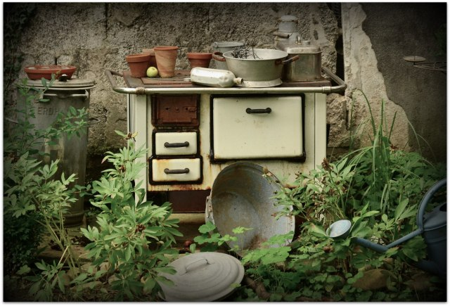 old-stove-896285_1920