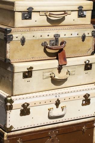 suitcases-595327_1280