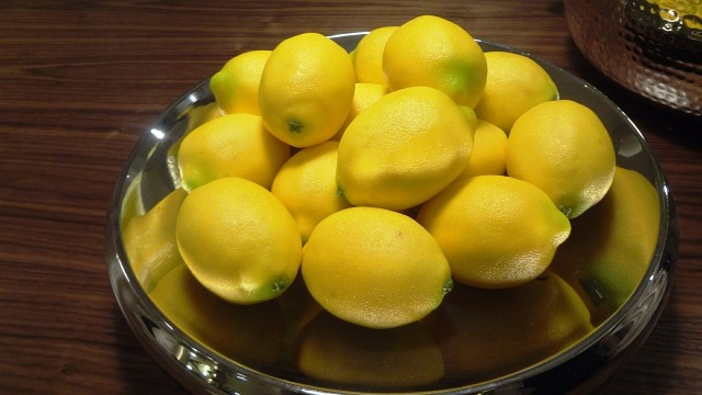 lemons-368914_1280