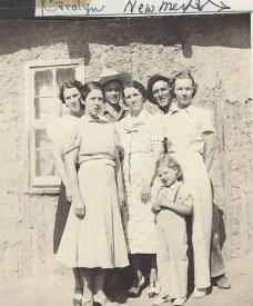 The five siblings with their mother and Goldie's daughter, Carolyn.